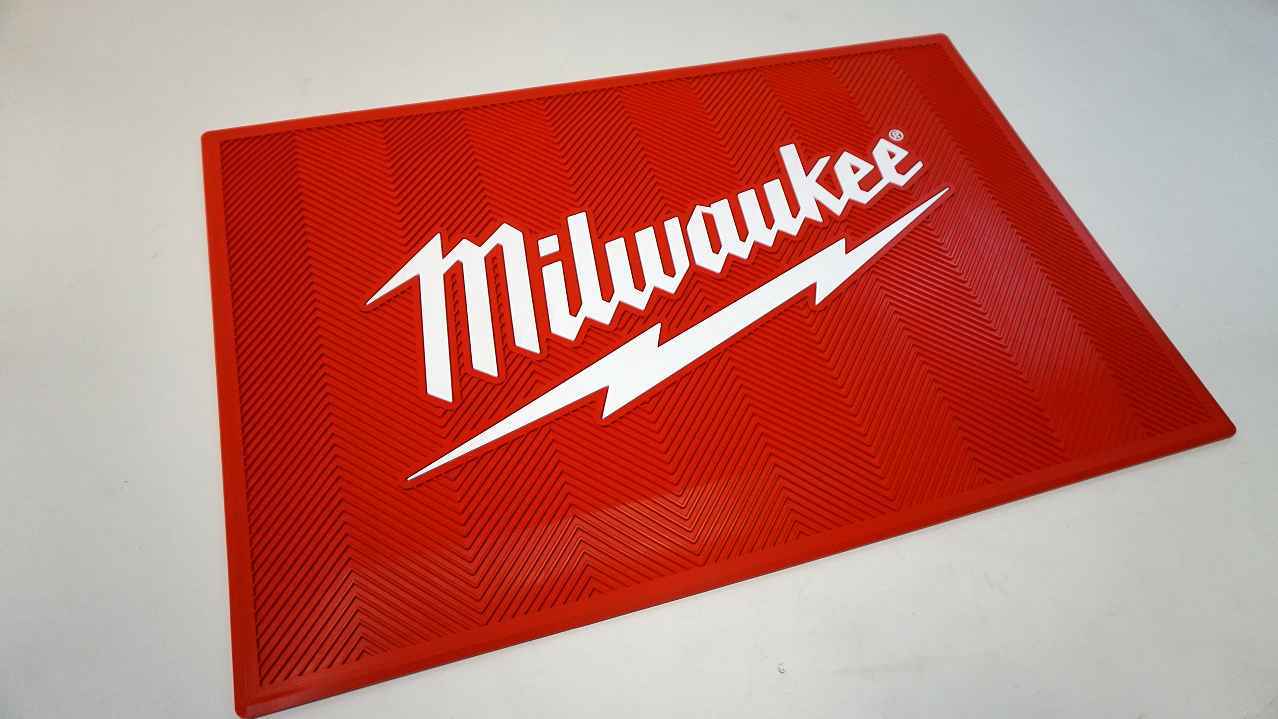 Milwaukee Molded Anti-Fatigue Floor Mat